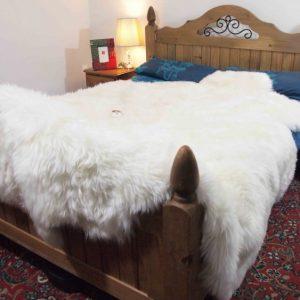 Шкура козы: выделка, оценка качества, особенности и правила ухода (видео + 105 фото)